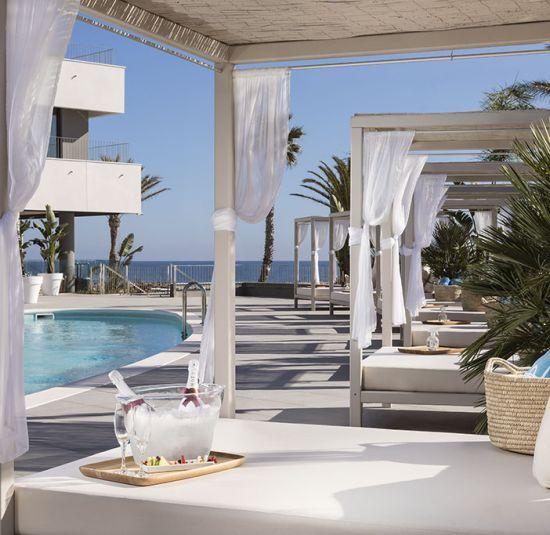 el-beso-beach-sitges
